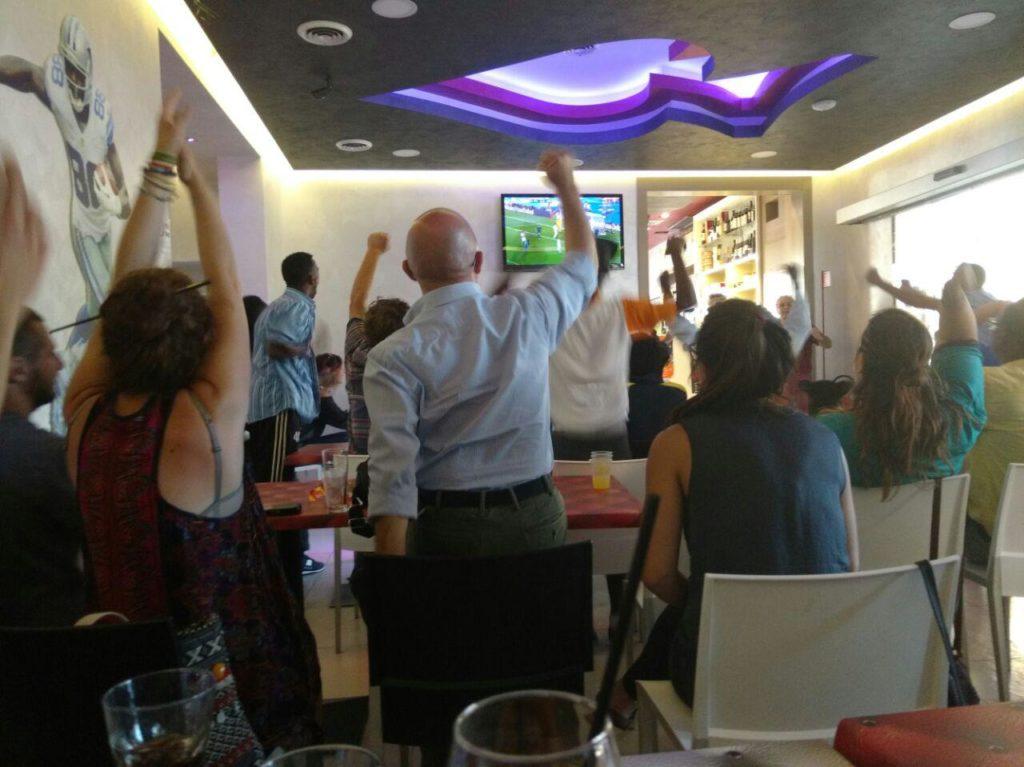 Ho visto Italia – Spagna coi migranti del Baobab
